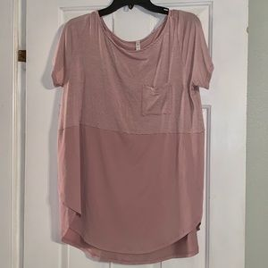 !3 for $25! Sz LG MTS side slit casual tee